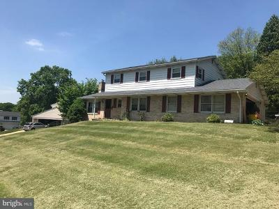 Camp Hill, Mechanicsburg Single Family Home For Sale: 3 Meadow Drive