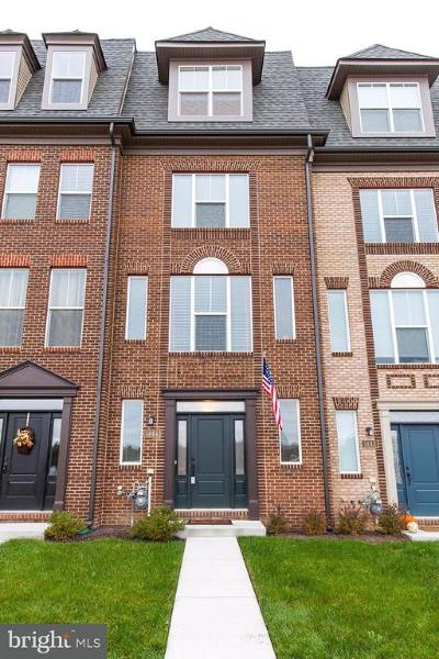 Frederick Townhouse For Sale: 1444 Wheyfield Drive #B