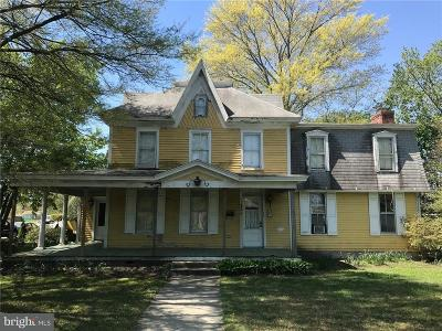 Single Family Home For Sale: 321 N Bedford Street