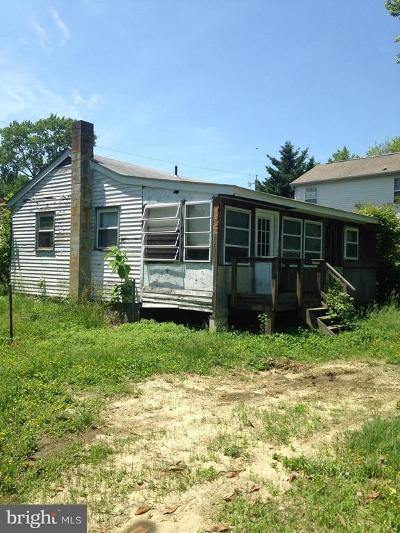 Edgewater MD Single Family Home For Sale: $190,000