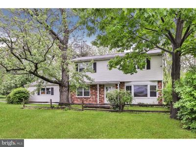 Warminster Single Family Home For Sale: 676 Saint Charles Avenue