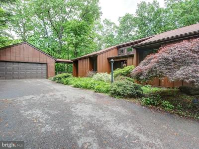 Reston Single Family Home For Sale: 11105 Glade Drive