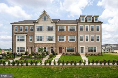 Urbana Townhouse For Sale: 8704 Shady Pines Drive