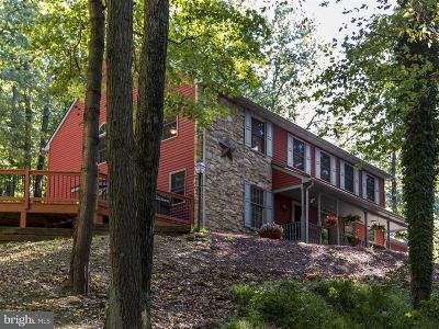 Pequea Single Family Home For Sale: 100 Lakewood Drive