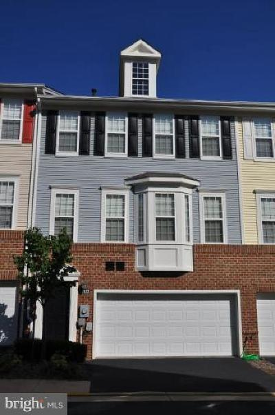 Falls Church Townhouse For Sale: 8122 Harper Valley Lane #26