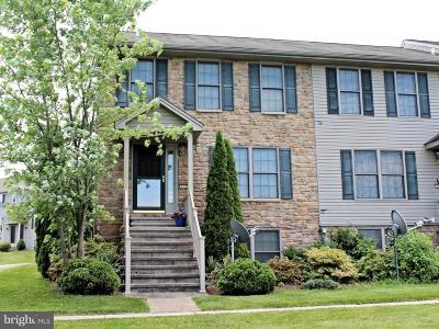 Middletown Townhouse For Sale: 863 Woodridge Drive