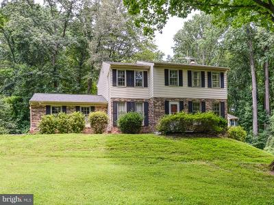 Herndon Single Family Home For Sale: 12204 Folkstone Drive
