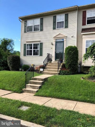 Cockeysville Townhouse For Sale: 17 Winterberry Court