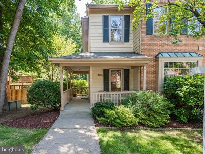 Reston Townhouse For Sale: 11814 Great Owl Circle