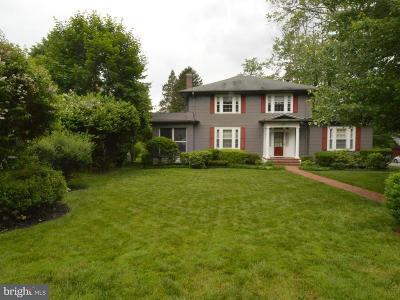 Single Family Home For Sale: 300 Central Avenue