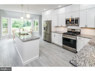 Cranbury Single Family Home For Sale: 44 Old Trenton Road