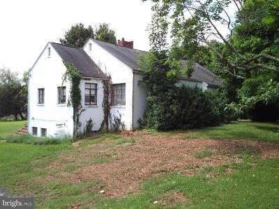 Harpers Ferry Single Family Home For Sale: 13 Off Day Street
