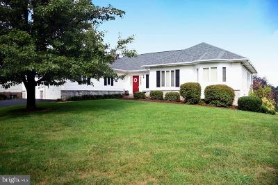 Charles Town Single Family Home For Sale: 568 Turnberry Drive