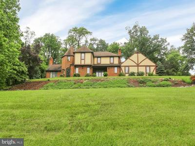 New Cumberland Single Family Home For Sale: 15 Pine Tree Drive