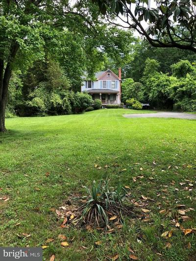 Falls Church Single Family Home For Sale: 7704 Idylwood Road