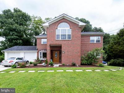 Falls Church Single Family Home For Sale: 3301 Durbin Place