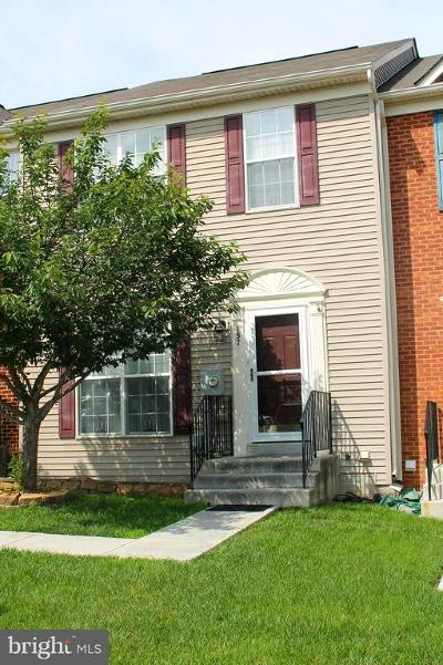 Townhouse For Sale: 157 Oxbow Drive