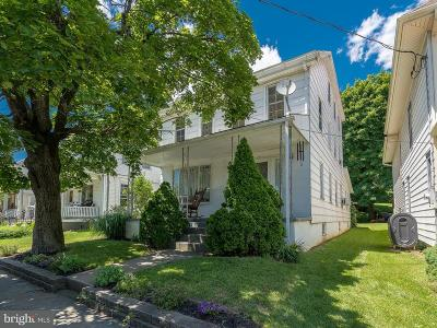 Brownstown Single Family Home For Sale: 201 E Main Street