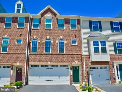 Aldie Townhouse For Sale: 25845 Clairmont Manor Square