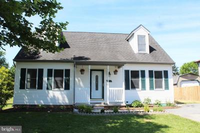 Frederick County Single Family Home For Sale: 211 Bluebird Drive