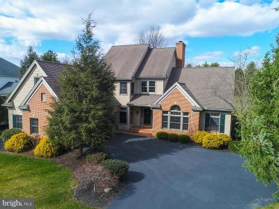 Lititz Single Family Home For Sale: 74 Oakhill Drive