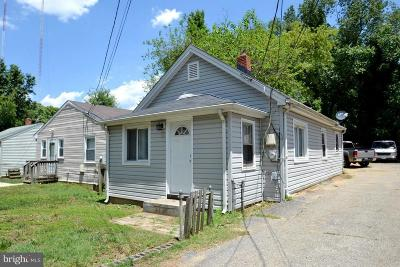 Annapolis Single Family Home For Sale: 224 Admiral Drive