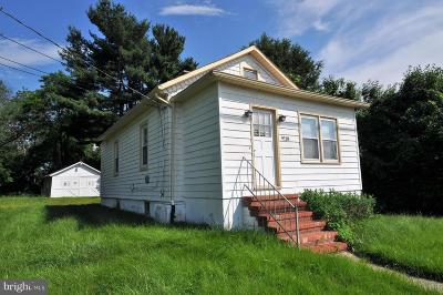Baltimore Single Family Home For Sale: 9118 Belair Road
