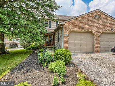 Dallastown Townhouse For Sale: 150 Oak Ridge Lane