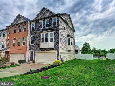 Townhouse For Sale: 233 Mohegan Drive