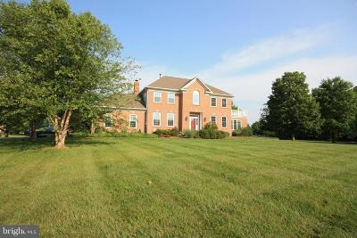 Purcellville Single Family Home For Sale: 17780 Brookwood Way