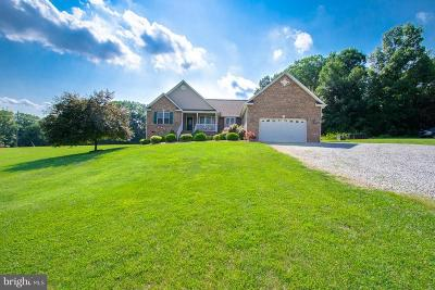 Single Family Home For Sale: 73 Lake Country Drive