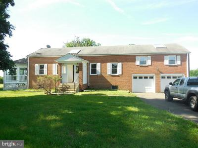Poolesville Single Family Home For Sale: 19200 Fisher Avenue