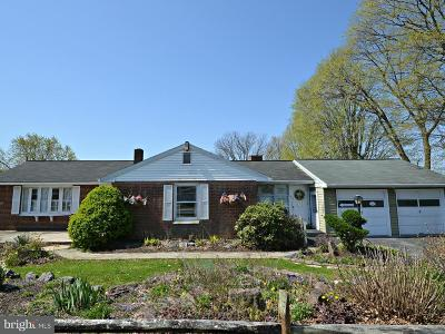 Lancaster Single Family Home For Sale: 98 Hershey Avenue