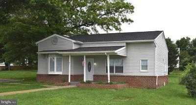 Charles Town Single Family Home For Sale: 81 Jefferson Terrace Road