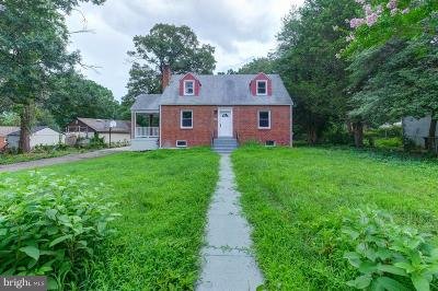 Suitland Single Family Home For Sale: 4204 Skyline Drive