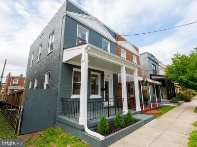 Washington Townhouse For Sale: 604 Roxboro Place NW