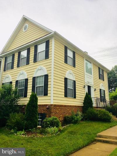 Woodbridge VA Townhouse For Sale: $334,900