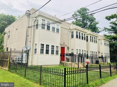 Single Family Home For Sale: 5822 Foote Street NE