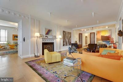 Baltimore City Condo For Sale: 3908 Charles Street N #500