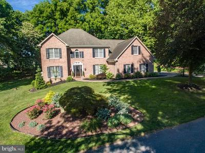 Lancaster Single Family Home For Sale: 3 Creekwood Drive
