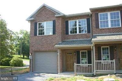 Chambersburg Townhouse For Sale: 329 Stonegate Circle S