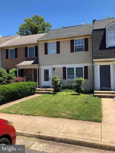 Manassas Townhouse For Sale: 8677 Point Of Woods Drive