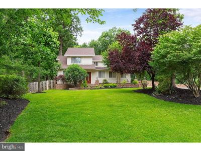 Cherry Hill Single Family Home For Sale: 82 Harrowgate Drive
