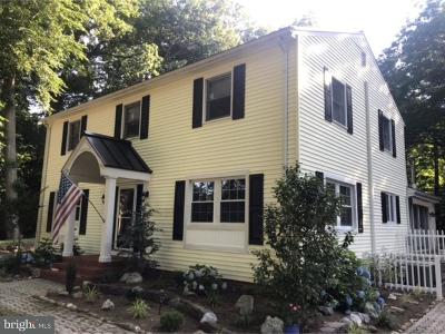 Dover Single Family Home For Sale: 49 Laurel Drive