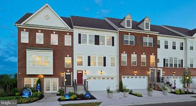 Upper Marlboro Townhouse For Sale: 3810 Pentland Hills Drive Drive E