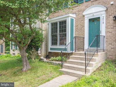 Woodbridge Townhouse For Sale: 3019 Dunleigh Court