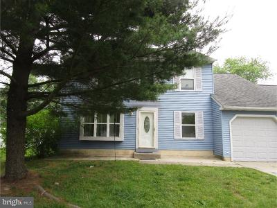Gloucester County Single Family Home For Sale: 61 Long Bow Drive