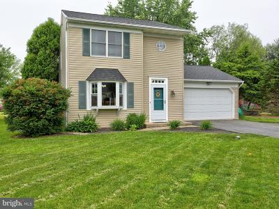 Landisville Single Family Home For Sale: 91 Country Lane