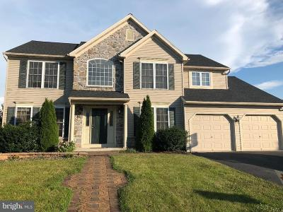 Single Family Home For Sale: 100 Running Creek Drive