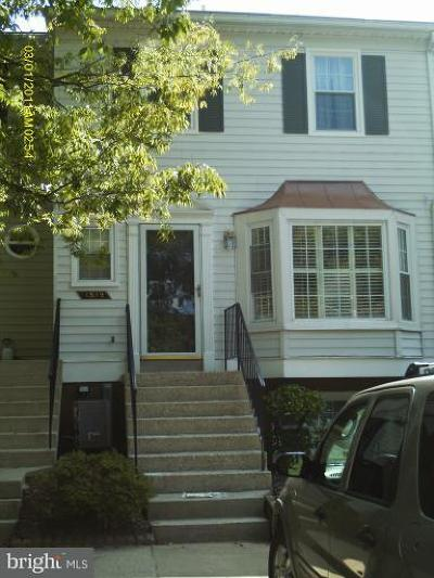 Crofton Townhouse For Sale: 1519 Lowell #6YB